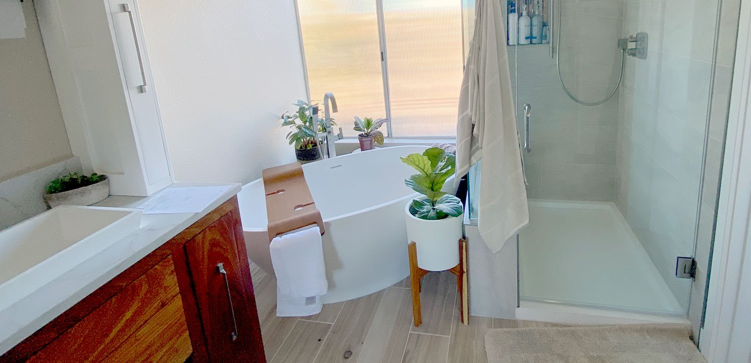Fit a Freestanding Bathtub Into a Small Bathroom